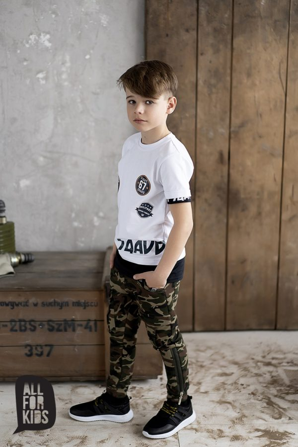 Chłopięcy biały t shirt z nadrukiem Military