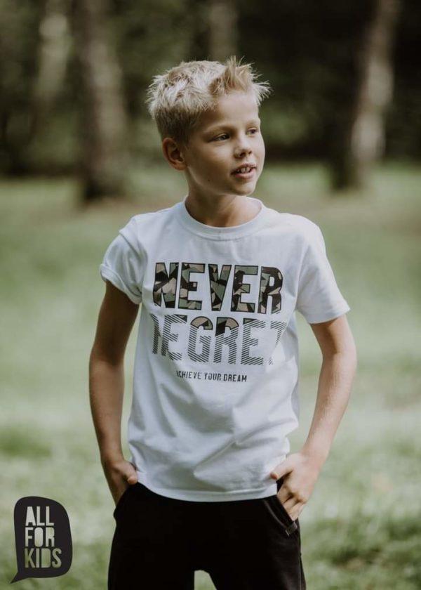 Biała koszulka chłopięca Never Regret