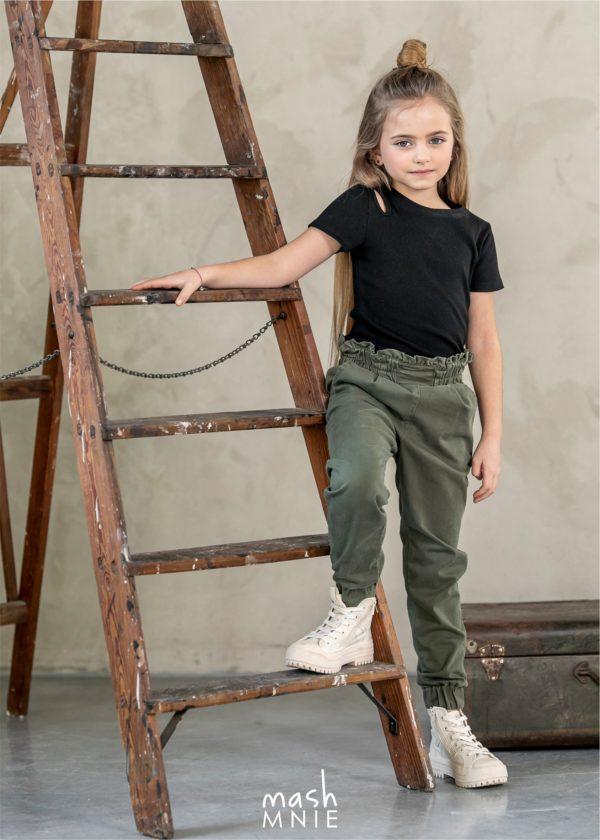 Bluzka dla dziewczynki z prążkowanej dzianiny MashMnie