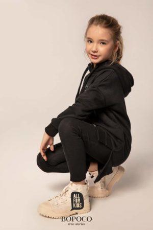 Czarne legginsy dla dziewczęce prążkowane