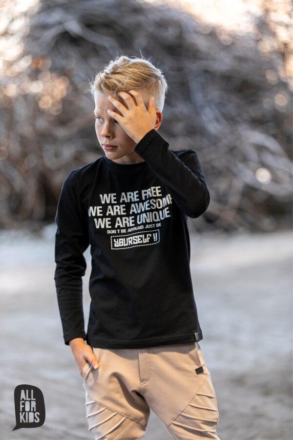 Czarna cieńka bluza dla chłopca